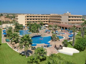 Отель на Nissi beach